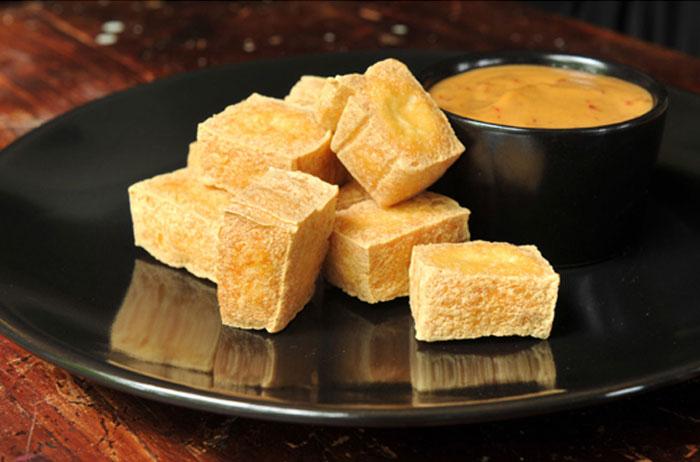Fried Tofu with Peanut Sauce | Tau Hu Tod | เต้าหู้ทอด