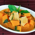 Red Curry with Pumpkin | Gang Dang Fak Tong | แกงเผ็ดฟักทอง thumbnail